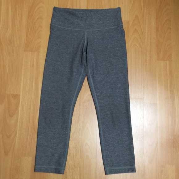 Lululemon cropped